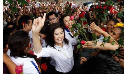 Puea-Thai-Partys-Yingluck-007